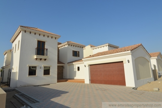 Large 5 bedroom Dubai villa for rent