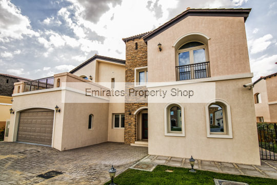 5 Bedroom Show Villa with full golf course view for sale