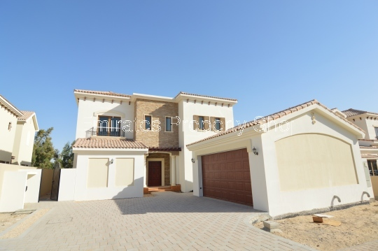 5 Bedroom Villa With Large Pool To Rent In Jumeirah Golf Estates